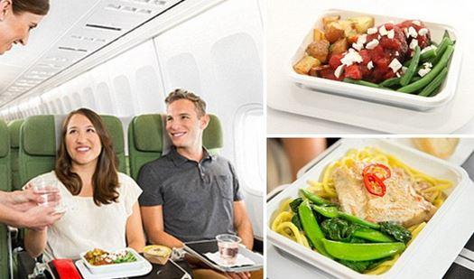 秘密武器黄油味的面包卷和双倍的经济舱飞机餐选择
