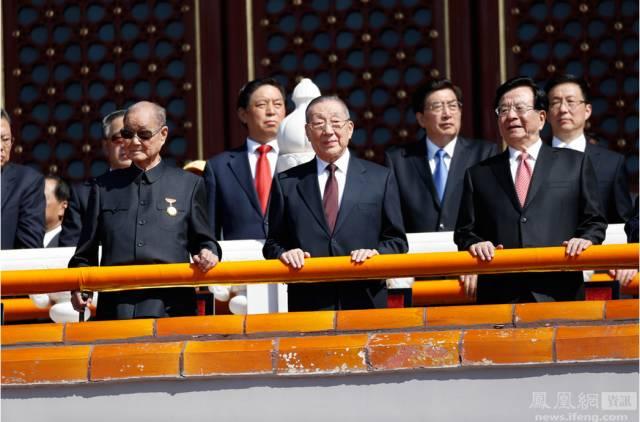... 从左到右分别是:汪洋、张春贤、孟建柱、赵乐际